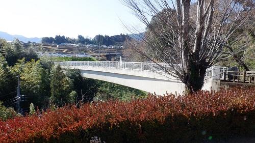 青雲橋公園へ続くふれあい橋