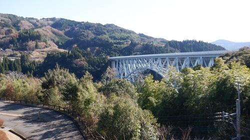 ふれあい橋から見える青雲橋