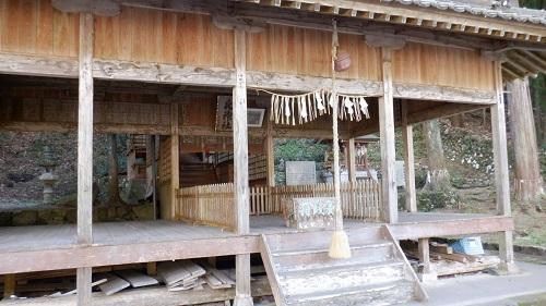 水神社の拝殿