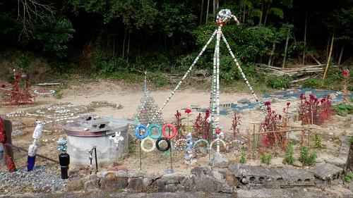 川棚温泉の手作り感のある庭