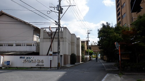 原鶴温泉の温泉街