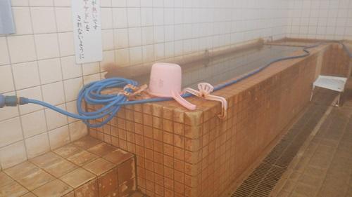 東郷温泉の源泉調整場所