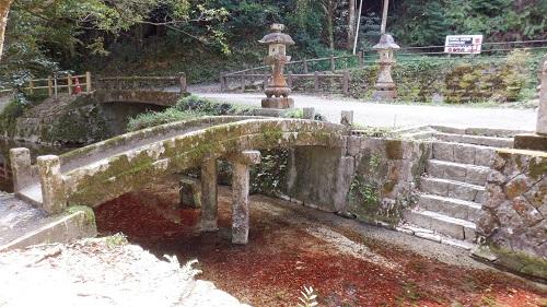 別府弁天池の赤い成分
