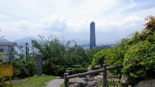 日和山公園から見える海峡ゆめタワー